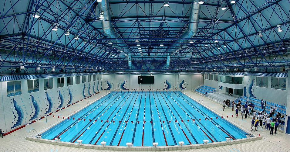 Piscina curta ponto das piscinas goi nia for Medidas piscina semiolimpica